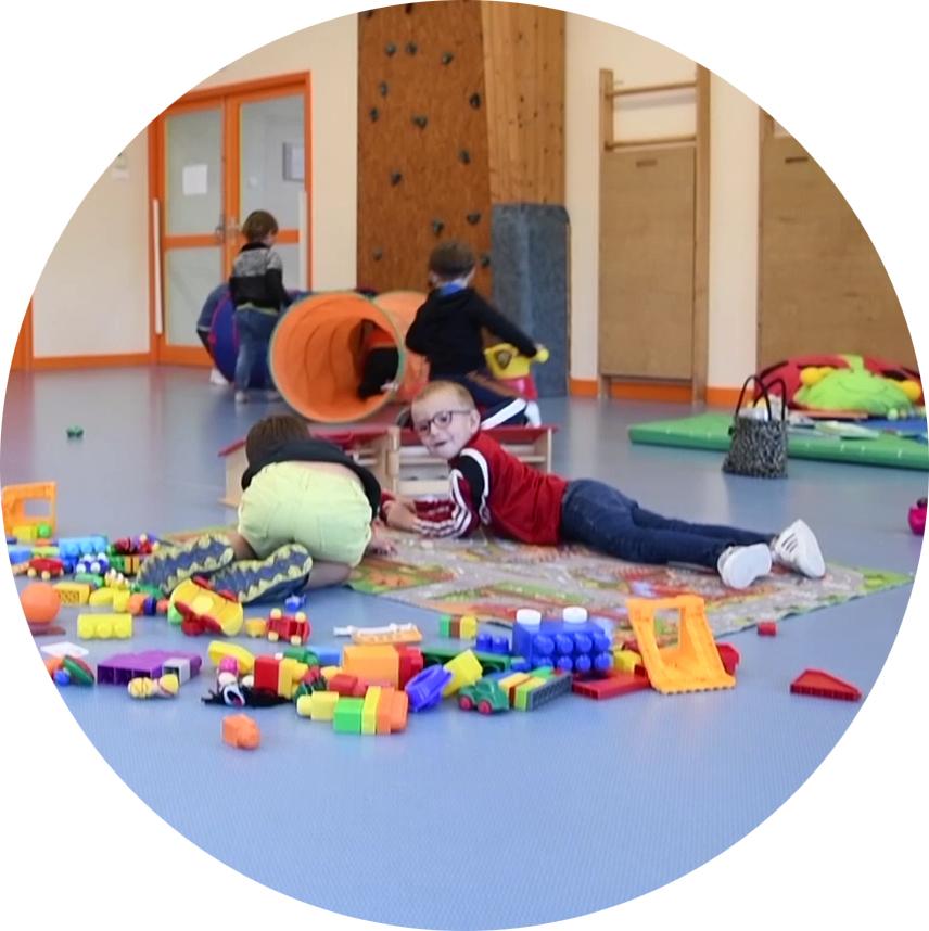 La garderie accueille les enfants à Saint-Vougay